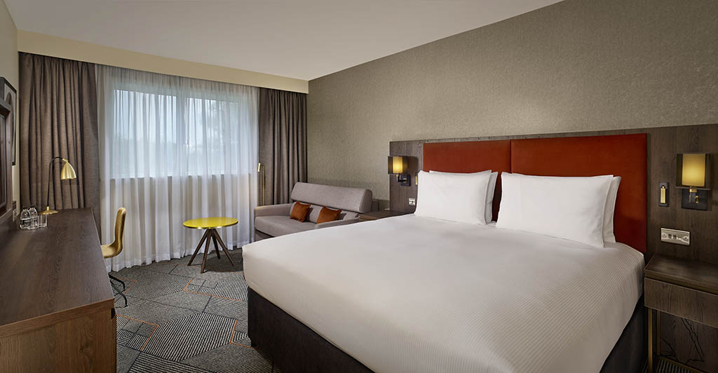 DoubleTree by Hilton Sheffield Park Bedrooms and accommodation in Sheffield
