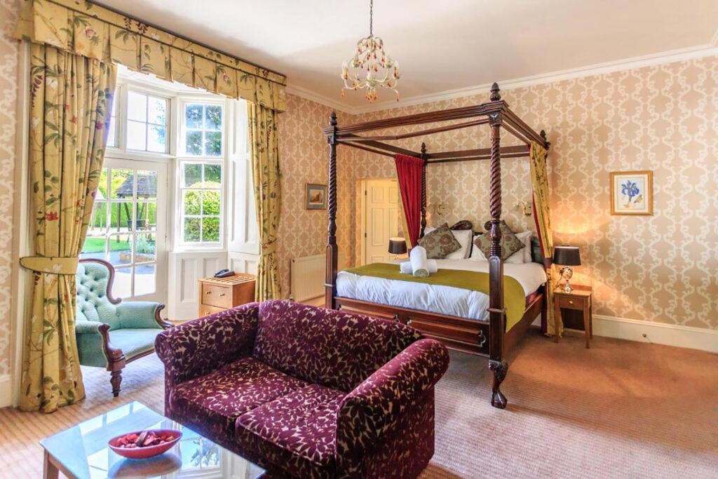 Charlecote Pheasant Hotel